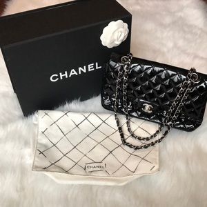 Authentic Chanel Patent Quilted Purse!!